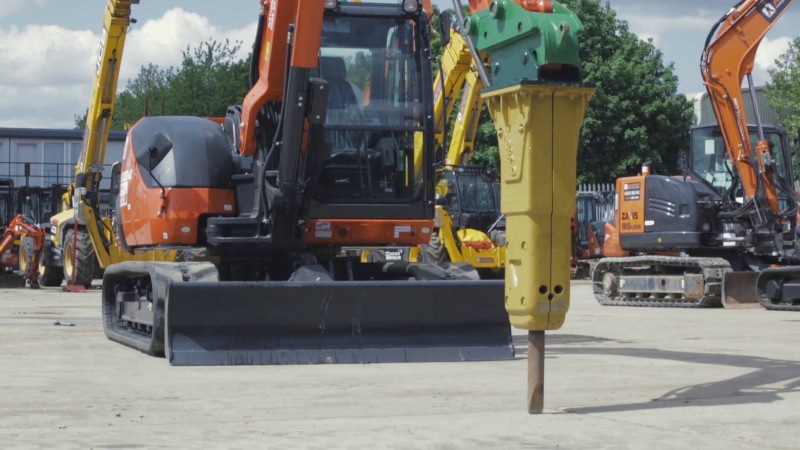 Excavator Hydraulic Breaker Maintenance